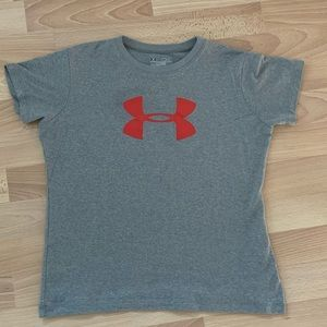 Under Armour Loose Fit Size M